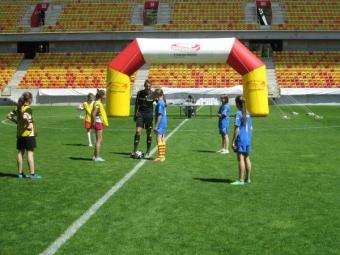 Turniej w piłce nożnej dziewcząt na STADIONIE MIEJSKIM-3